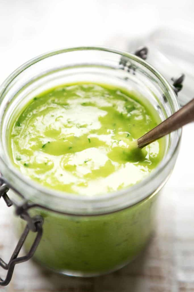 How to make a healthy avocado dressing in only 5 minutes 1