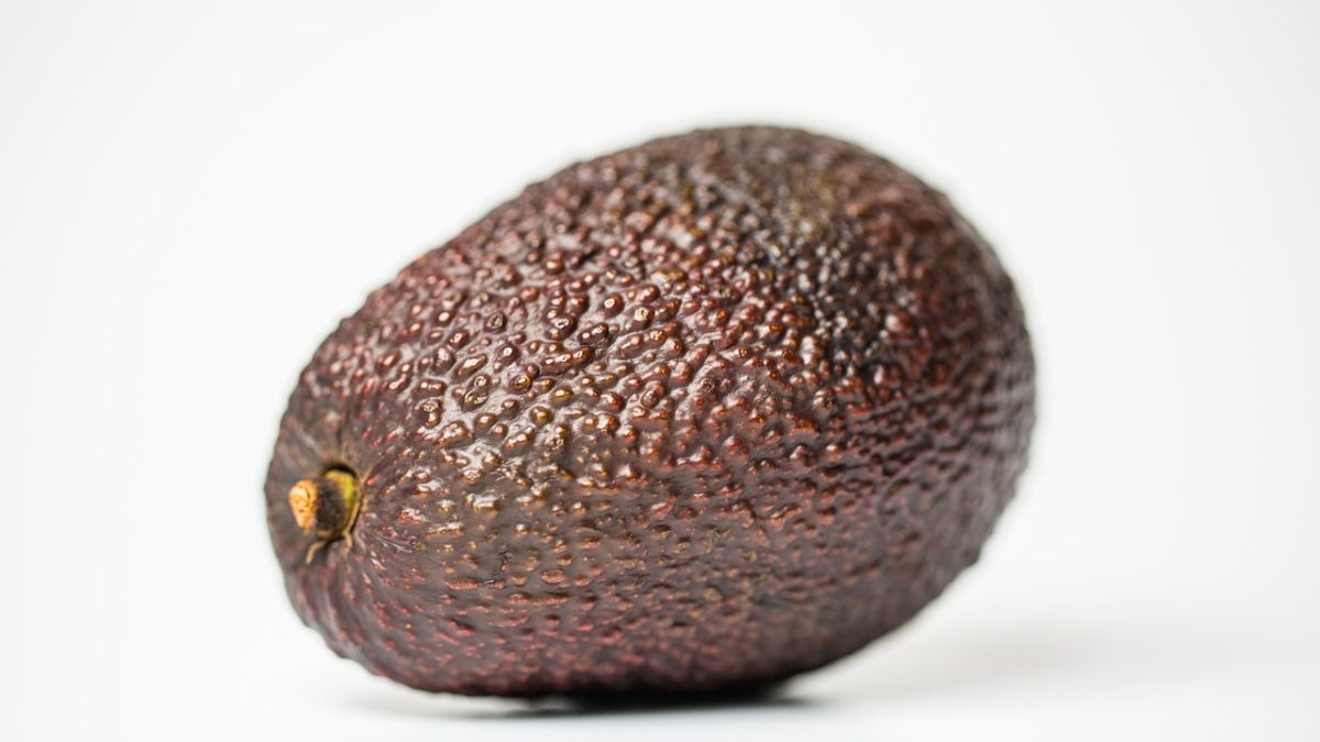How to Ripen an Avocado – 4 Easy and Quick Methods